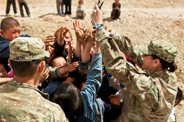 Military pen pals for students